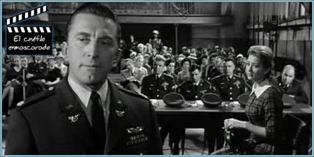 Kirk Douglas es el abogado de los soldados