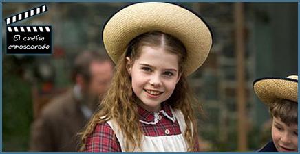 Lucy Boyton, la joven Beatrix