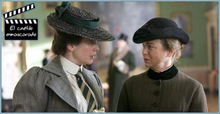 Con Millie Warne, papel interpretado por Emily Watson