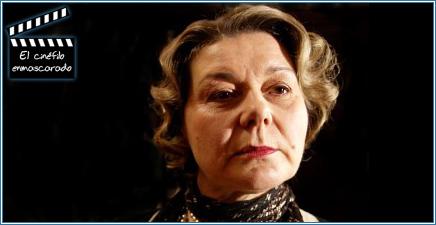 Barbara Flynn interpreta a la señora Potter, madre de Beatrix