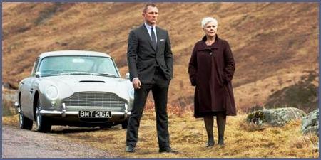 James Bond y M, Skyfall