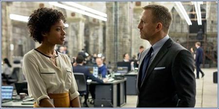 Eve Moneypenny y James Bond, Skyfall