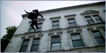 Sherlock saltando de la azotea