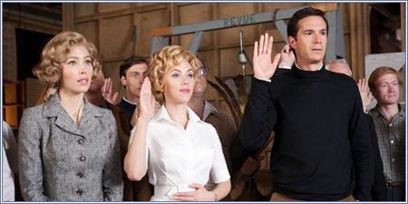 Vera Miles, Janet Leigh y Anthony Perkins (Jessica Biel, Scarlett Johansson y James D'Arcy)