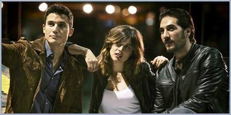 Álex González, Adriana Ugarte y Alberto Ammann