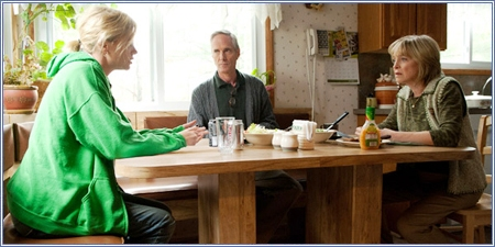 Charlize Theron, Richard Bekins y Jill Eikenberry