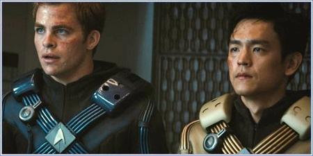 Chris Pine y John Cho, son Kirk y Hikaru Sulu
