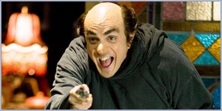 Hank Azaria como Gargamel
