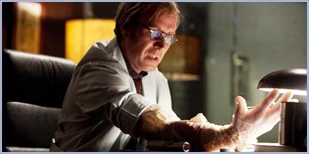 Rhys Ifans es el Dr. Curt Connors