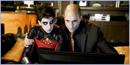 Christopher Mintz-Plasse y Mark Strong