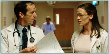 Denis O'Hare y Jennifer Garner