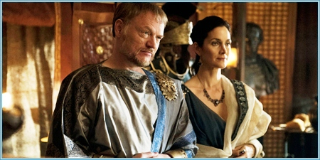 Jared Harris y Carrie-Anne Moss