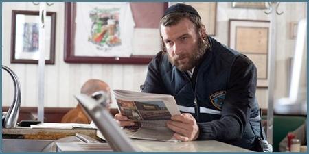 Liev Schreiber es Dovi
