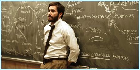 Jake Gyllenhaal es el profesor Adam Bell