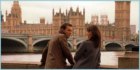 Jonathan Rhys Meyers y Emily Mortimer