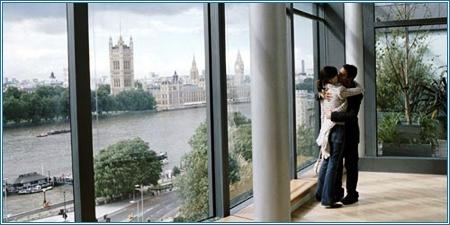 Emily Mortimer y Jonathan Rhys Meyers