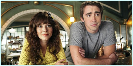 Anna Friel y Lee Pace son Chuck y Ned