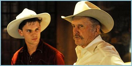 Jeremy Irvine y Robert Duvall