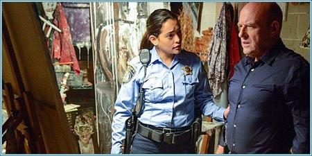 El ayudante del sheriff y el concejal Rennie