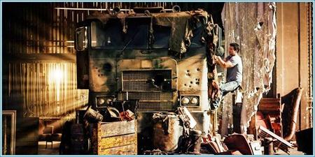 Cade Yeager encuentra un Transformers