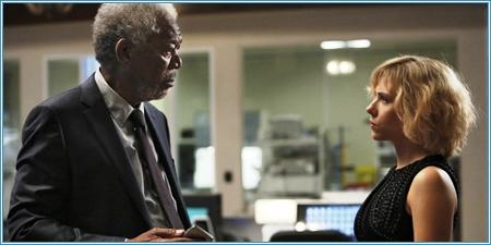 Morgan Freeman y Scarlett Johansson