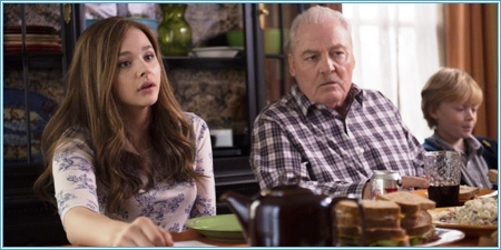 Chloë Grace Moretz y Stacy Keach