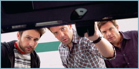 Charlie Day, Jason Sudeikis y Jason Bateman