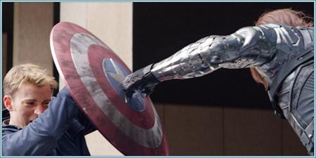 Capitán América luchando contra Soldado de Invierno