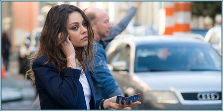 Mila Kunis es Julia