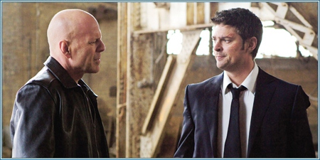 Bruce Willis y Karl Urban