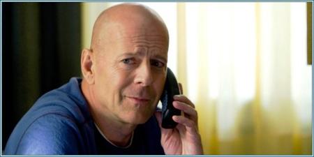 Bruce Willis es Frank Moses