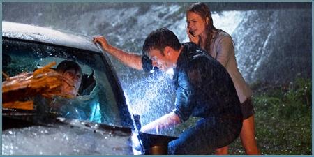 Luke y Sophie rescatando a Ira