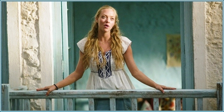 Amanda Seyfried es Sophie Sheridan