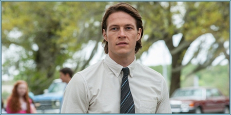Luke Bracey es el joven Dawson Cole