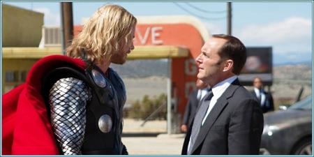Thor y el agente Phil Coulson (Thor, 2011)