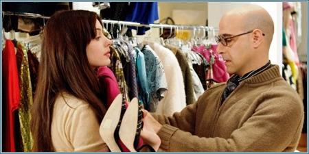 Anne Hathaway y Stanley Tucci