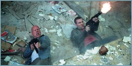 Bruce Willis y Jai Courtney