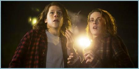 Jesse Eisenberg y Kristen Stewart