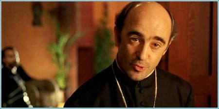 Álex Angulo es el padre Ángel Berriatúa