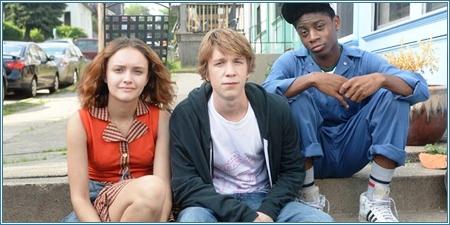 Olivia Cooke, Thomas Mann y RJ Cyler