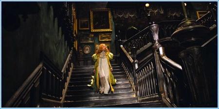 Edith en la vieja mansión Sharpe
