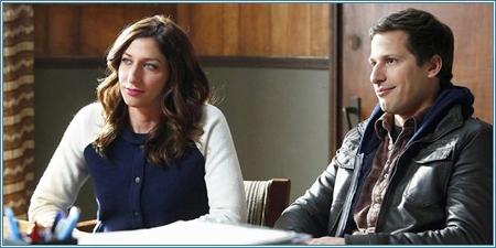 Chelsea Peretti y Andy Samberg son Gina y Jake