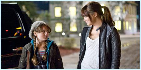 Abigail Breslin y Emma Stone