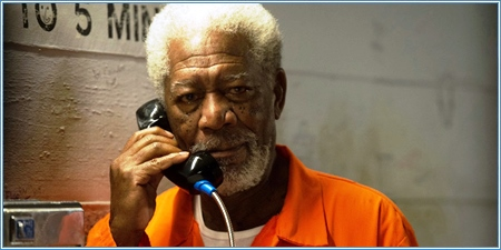 Morgan Freeman es Thaddeus Bradley