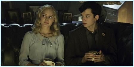 Ella Purnell y Asa Butterfield