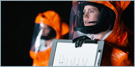 Amy Adams es la doctora Louise Banks