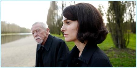 John Hurt y Natalie Portman