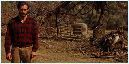 Jake Gyllenhaal es Tony Hastings