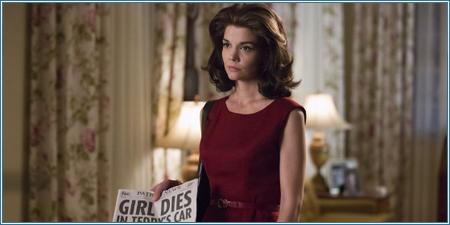 Katie Holmes es Jacqueline Kennedy Onassis